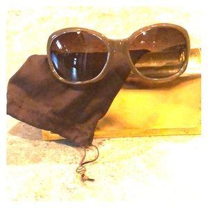 ⬇️Authentic Tory Burch Sunglasses 🕶